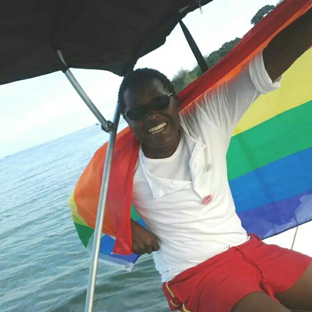 Ung homoseksuel kæmpe pige